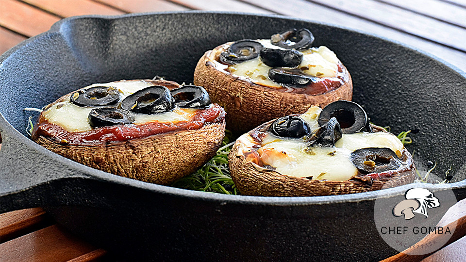 ChefGomba mini portobello pizzak